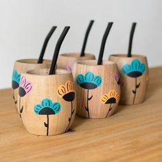 Painted Plant Pots, Painted Flower Pots, Pottery Designs, Pottery Art, Wood Mug, Mug Art, Yerba Mate, Paint Pens, Bottle Art