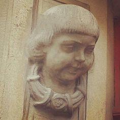 Jungenkopf, Volksschule Schillgasse 1210 Wien Statue, Instagram Posts, Art, Guys, Kunst, Sculpture, Art Education, Artworks