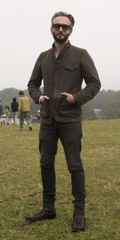 Waxed Barbour Commander Jacket takes place in foggy weather
