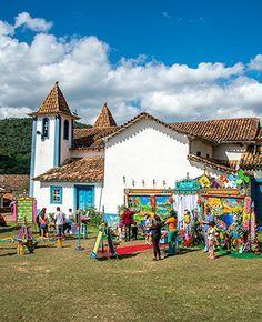 Um artista, um personagem, uma caravana, um museu. Não um museu qualquer, mas itinerante. Um museu de arte contemporânea que viaja pelo Brasil aportando em praças e áreas públicas