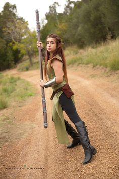 astro-kerrie:  Casual wood elf. Might use this costume for LARP. Costume made and worn by me.https://www.facebook.com/AstrokerrieCosplay Photos by Eugene http://www.princephotography.com.au/