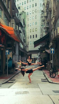 I wish that girl in the arabesque was pointing her left foot more, but this is still awesome:)