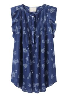 Band of Outsiders Floral Pintuck Top -- I love the color, the pintucks, the style of the shirt but wish it had sleeves Style Work, Mode Style, Style Me, Sweet Style, Look Fashion, Fashion Outfits, Womens Fashion, Fashion Tips, Creation Couture