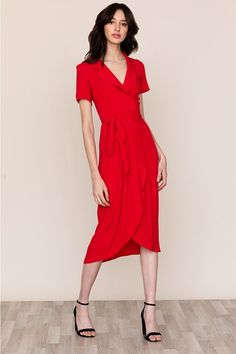 Our refined Meet and Greet V-neck collar dress is a staple in every closet. Details include collared v-neck, self-tie waist, and midi length. Neck Collar, Collar Dress, Vacation Dresses, Wrap Dress Floral, Spring Collection, Lady In Red, Dress To Impress, Dresses For Work, Wrap Dresses