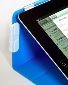 Smarter Stand For iPad Extends What The Smart Cover Can Do