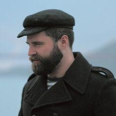 jason whipple beard and peacoat Mens Facial, Facial Hair, Oscar 2017, Beard Beanie, Brown Beard, Daddy, Great Beards, Hot Beards, Perfect Beard