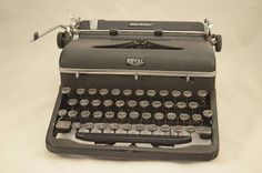 Vintage 1947 A Model Royal Quiet De Luxe Portable Typewriter - Rare Post-War Model