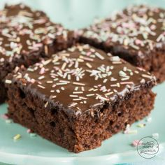Juicy chocolate sheet cake - Juicy chocolate sheet cake You are in the right place about avocado Here we offer you the most beau - Avocado Dessert, Avocado Toast, Keto Recipes, Cake Recipes, New Fruit, Healthy Eating Tips, Food Cakes, Cream Cake, Relleno