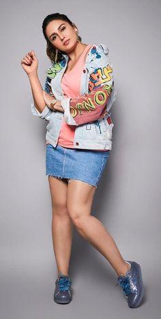 Bollywood Actress Hot Photos, Indian Bollywood Actress, Bollywood Girls, Bollywood Fashion, Beautiful Blonde Girl, Beautiful Girl Indian, Most Beautiful Indian Actress, South Indian Actress Hot, Indian Actress Hot Pics