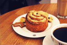 Escapade culinaire étudiante à Oslo : Cannelle roll, café et un chaï latte soja pour affronter le froid