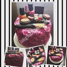 I absolutely loved making this cake!#coconutcake #buttercreamicing #roses #edibleArt #makeupcake #girlygirl #madefromscratch#mac #beauty #cake #icingonthekake #baking #birthday #birthdaycake #glamcake