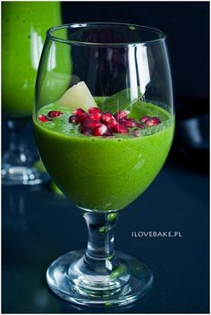 koktajl-ze-szpinakiem Fruit Recipes, Cake Recipes, Healthy Recipes, Recipies, Smoothie Drinks, Fruit Smoothies, Healthy Sweets, Healthy Drinks, Alcoholic Drinks