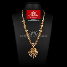Traditional gold necklaces for women from the house of Kameswari. Shop for antique gold necklace, exquisite diamond necklace and more! Gold Earrings Designs, Gold Jewellery Design, Necklace Designs, Gold Designs, Bead Jewellery, Gold Jewelry Simple, Jewelry Model, Jewelry Sets, Jewelry Accessories