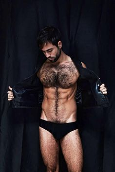 I usually don't dig hairy but this is not bad...