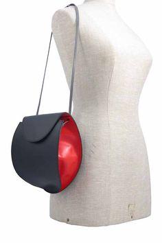 Air Balloon black red grey - made by Hester van Eeghen