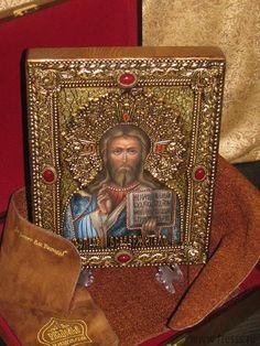 """Икона """"Господь Вседержитель"""" 25 х 32 см, роспись по дереву, серебро, самоцветы"""