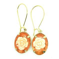 lこのオハイオ州、それほど美しい花のブラブライヤリングかわいい超感じます!このユニークな花のイヤリングは、すべての愛、ロマンス、花についてです!特別な日のために、結婚式の日や普段着のために、このかわいい宝石のイヤリングはあなたのためです!➽特徴:〜スタイル:ロマンチックイヤリング、かわいいダングリングイヤリング、花のイヤリング。〜あなたの妻またはあなたのガールフレンドへのプレゼントにも最適です。完璧なブライダルジュエリーだけでなく!〜素敵な樹脂ピンクで飾られたゴールドトーンのイヤリングのペアは花をバラ。〜特別ディナーのために、または日常の簡単な摩耗のために。〜を基調にゴールドearwire閉鎖を「手綱」。➽このかわいいイヤリング対策:カボション:この美しい花のイヤリングを見てのための0.75×0.401.5長い間ありがとうございます!
