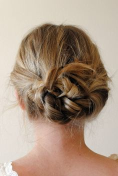 beautiful hair style.....<3