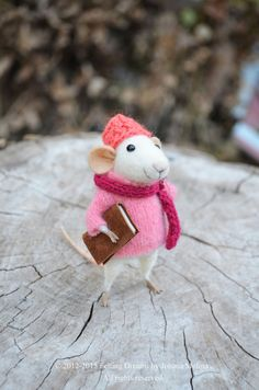 Hey, I found this really awesome Etsy listing at https://www.etsy.com/listing/178041081/little-reader-mouse-felting-dreams