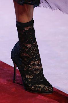 Dolce & Gabbana Spring 2018 Ready-to-Wear  Fashion Show Details