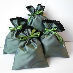 KakaduArt - poduszki.simplesite.com Pantone, Pouch, Rompers, Dresses, Fashion, Vestidos, Moda, La Mode, Sachets