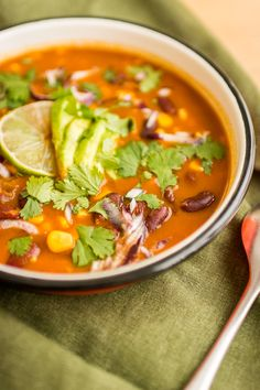 Spicy Mexican soup with red beans - cuisine - Meat Recipes Mexican Soup Vegetarian, Mexican Soup Recipes, Spicy Vegetarian Recipes, Easy Soup Recipes, Healthy Crockpot Recipes, Healthy Salad Recipes, Meat Recipes, Vegan Vegetarian, Vegetarian Appetizers
