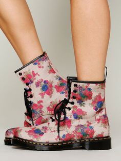 Dr. Martens Cecil Bouquet Doc Martens http://www.freepeople.co.uk/whats-new/cecil-bouquet-doc-27413194/