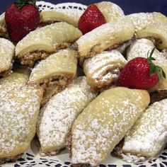 Czech Walnut Pastries Recipe - Flaky buttery cream cheese pastry dough envelopes a delicious walnut-cinnamon-y filling. Slovak Recipes, Czech Recipes, Hungarian Recipes, Pastry Recipes, Cookie Recipes, Dessert Recipes, Ethnic Recipes, Eastern European Recipes, Key Food
