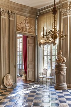 Hotel du duc de Gesvres, interior design by their owners Joseph Achkar and Michel Charriere, Paris, France Interior Neoclásico, French Interior, Classic Interior, French Decor, Luxury Interior Design, Interior Architecture, Luxury Home Decor, Luxury Homes, Neoclassical Interior Design