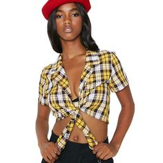 I AM GIA Keidis Top Cher Herowitz you betta eat your lil' heart out! This yellow plaid crop top has a cute collar and ties at the bottom cuz you're a knotty babe. Bow Tie Shirt, Tied Shirt, Yellow Crop Top, Tie Crop Top, Club Style, Tartan, Plaid, What To Wear, Fashion Outfits