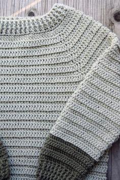 Sofus trøjen - Hæklet trøje til de små   Eponas dagbog Crochet Bebe, Baby Girl Crochet, Crochet Baby Clothes, Newborn Crochet, Crochet For Kids, Knit Crochet, Baby Knitting Patterns, Crochet Patterns, Drops Design