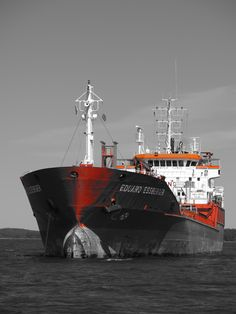 Ship and black and white. Red stays. By Jorma Lindström