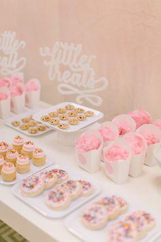 girl's birthday party, dessert table