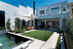 Patios, jardines y terrazas: ¡y sigue el calorcito!  Aprovechá los últimos días de calor para disfrutar de tu espacio al aire libre.  /Archivo LIVING