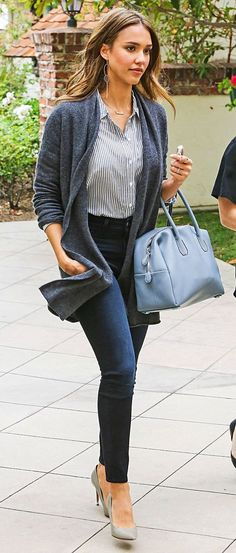 Celebrity Outfit 68 Best Of How Jessica Alba Picks Washes and Wears Her Jeans Work Fashion, Star Fashion, Fashion Outfits, Womens Fashion, Fashion Clothes, Business Outfit Frau, Business Outfits, Business Casual Jeans, Business Casual Dresses