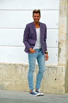 #moda #hombre Este look esta perfecto para lucir casual vanguardista y sin olvidar ese toque de elegancia. ¿Te gusta?