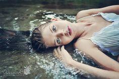 Water pose portrait (photo by Arina B.).