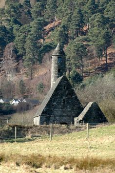 Glendalough was established by St Kevin in the 6th century. It was sacked time and again by the Vikings, but survived for over 600 years. Today most buildings and ruins date from 8th to 12 th century.