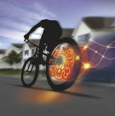 Travel Video of the Week - Bike Tech Gadgets |Travel Tech Gadgets