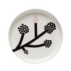 This Marimekko large round platter made of white porcelain features a flowering motif taken from Carina Seth Andersson's new Hortensie pattern. Marimekko, Nordic Design, Scandinavian Design, Serveware, Tableware, Sgraffito, Katana, Home Decor Items, White Porcelain