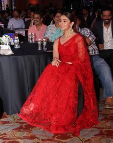 Indian Model Alia Bhatt in Transparent Sleeveless red Saree Red Saree, Saree Look, Red Kurta, Satin Saree, Trendy Sarees, Stylish Sarees, Fancy Sarees, Sabyasachi Sarees, Indian Sarees