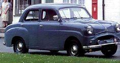 La Standard Eight, cette ancienne automobile fut construite de 1953 à 1959, la Standard Eight de 1953 mesure 1.47 mètres de large, 3.61 mètr...