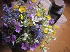 Frühlingsblumenstrauß