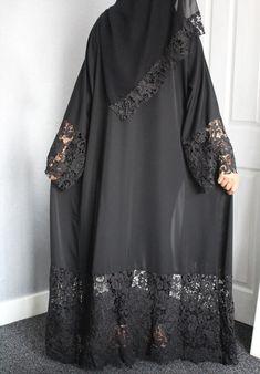 Burqa Fashion, Muslim Fashion, Hijab Fashion, Fashion Dresses, Abaya Designs Latest, Abaya Designs Dubai, Pakistani Fashion Casual, Pakistani Dress Design, Kaftan Pattern