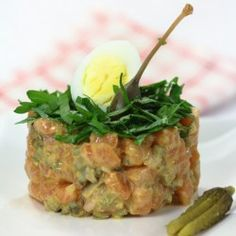 Salmon tartar with mustard and capers