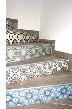 Zementfliesen Treppe: Treppenstufen im mediterranen Stil von Stilschmiede - Berlin.