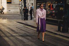 Com uma seleção de 80 looks, o FFW traz uma galeriacom o melhor do street style registrado pelas ruas de Londres durante a temporada de Inverno 18/19.