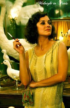 Midnight in Paris, this is what i mean by glamorous. everyone should be this fabulous. dear lord almighty i love her