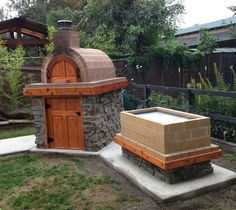One of our fellow Washingtonians created this Awesome Wood Fired Pizza Oven and La Caja style Pig Roaster / BBQ!  BrickWoodOvens.com