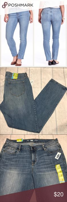 """🆕Old Navy Sweetheart Straight Jeans -For curvier shapes with a defined waist -Sits on your hips. -Fitted through hip and thigh -Straight leg -Size 10 and 31"""" inseam -Color is Acadia -84% cotton, 14% polyester, 2% spandex 🛍 BUNDLE AND SAVE💰 🛍15% off Bundles of 2+ automatically at checkout!! Old Navy Jeans Straight Leg"""